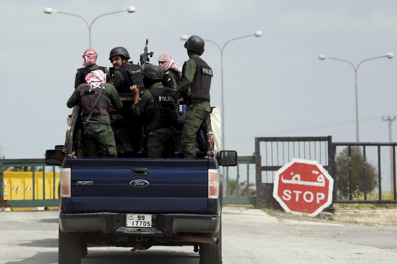 Militari giordani sul confine siriano
