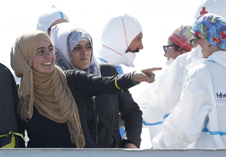 Migranti sbarcati ad Augusta
