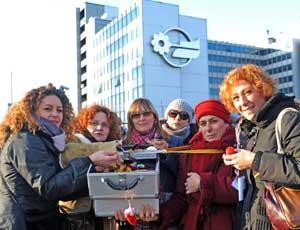 Una protesta delle truccatrici Mediaset