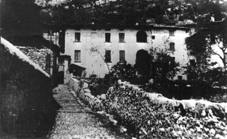 Bonzanigo di Mezzegra (CO) - Vista dell'epoca di Casa De Maria, dove pernottò Mussolini con la Petacci la notte fra il 27 e il 28 aprile 1945