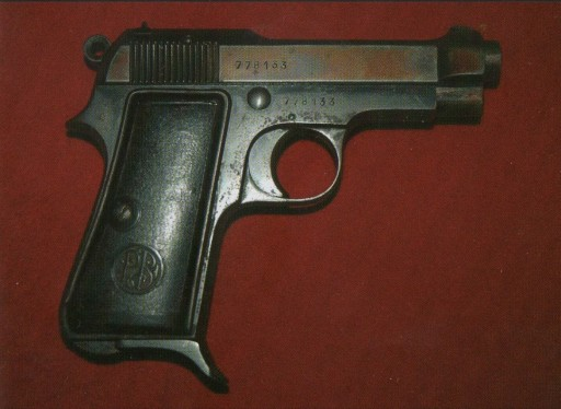 Figura 22a - La pistola Beretta di Lampredi che inferse a Mussolini il colpo di grazia, 28 aprile 1945.