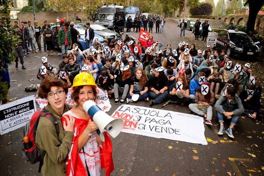 Sit-in di protesta degli studenti durante il movimento No Buona Scuola