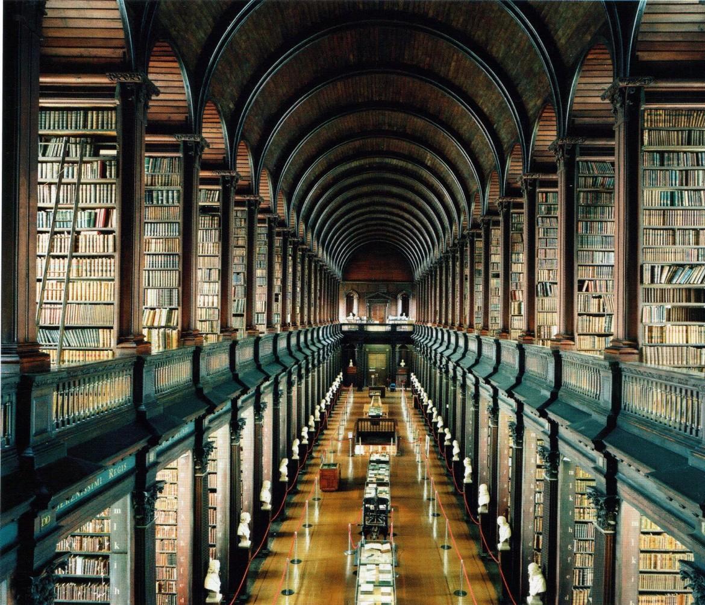 Candida Hofer, «Trinity College Library», Dublino, 2004