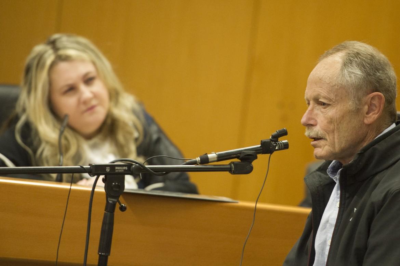 Erri De Luca ieri in aula con il giudice monocratico Immacolata Iadeluca