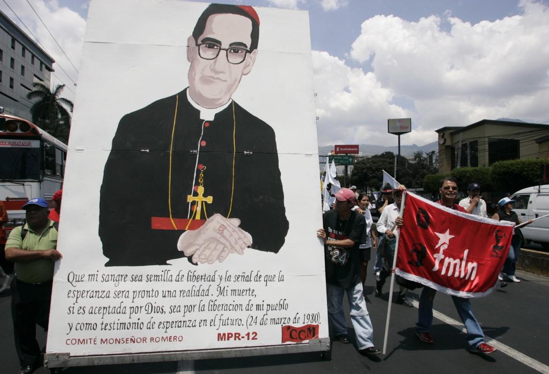 Manifestazione in Salvador per la beatificazione di monsignor Romero