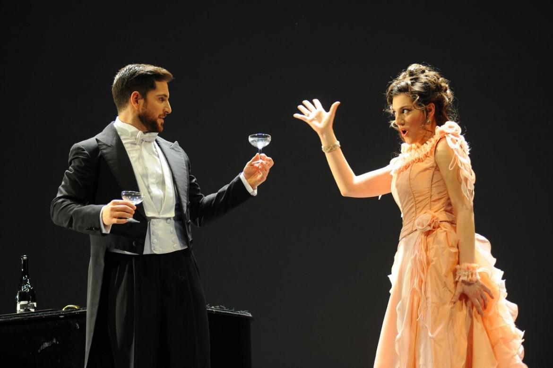una scena de La Traviata