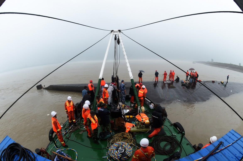 Il traghetto affondato nello Yangtze