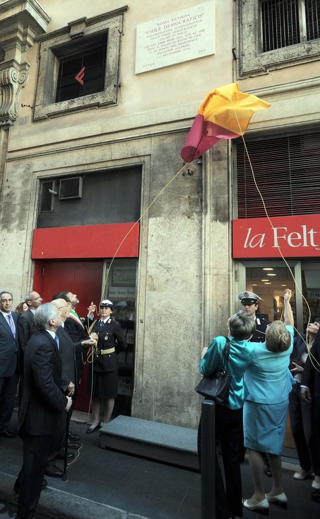 Roma, la visita di Bachelet a Largo Argentina