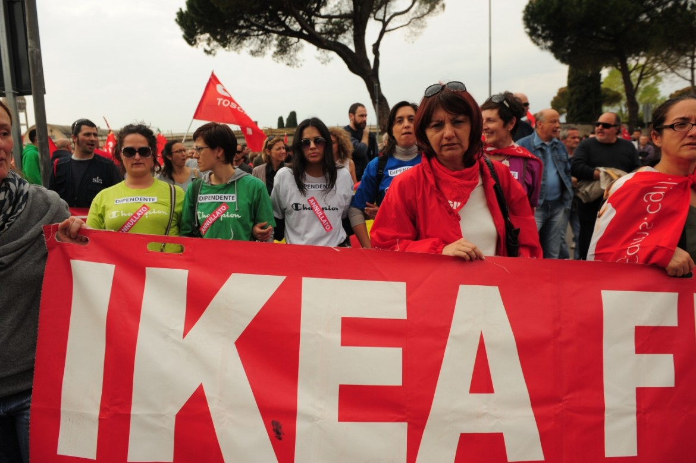 Una manifestazione di lavoratori Ikea