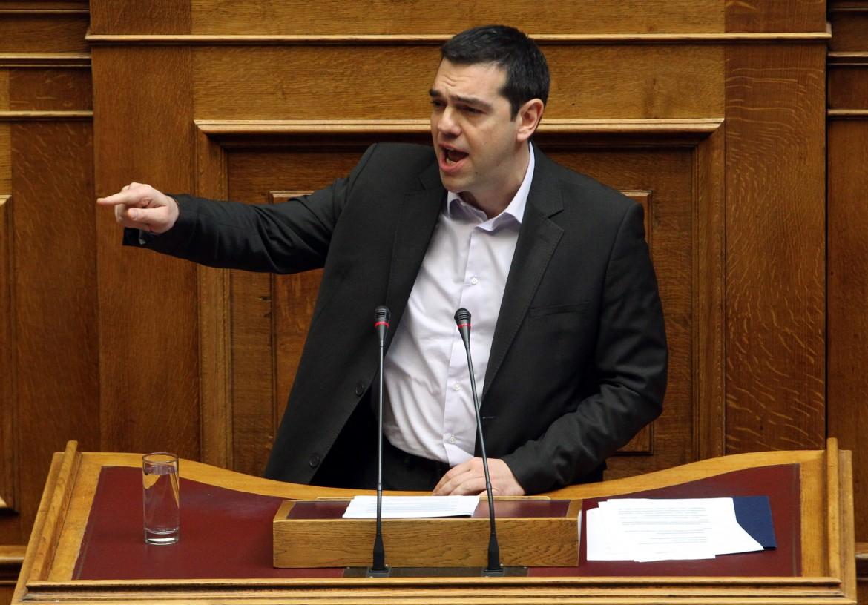 Tsipras ieri nel parlamento di Atene