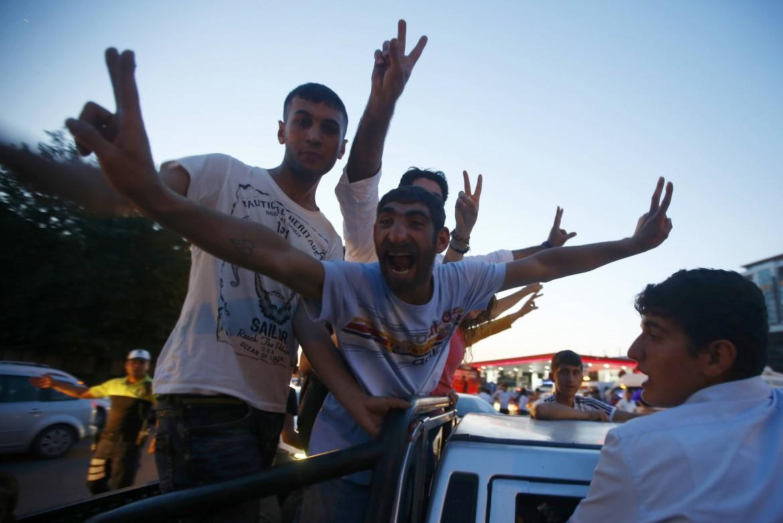 La festa dei sostenitori di Demirtas