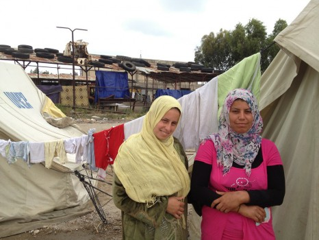 Il 9 e il 12 giugno (ieri) l'Unhcr ha raggiunto al Raqqa con 9 camion  di kit igienici,materassi e strumenti per cucinare