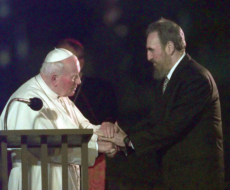Fidel con papa Wojtyla