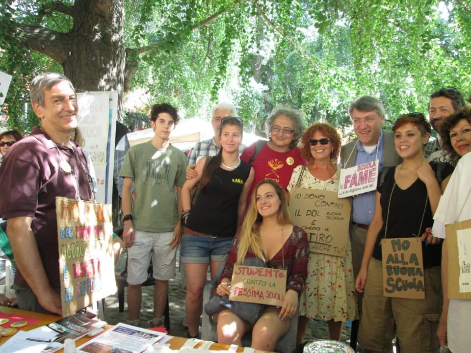 Maurizio Landini ha firmato a Bologna la protesta dei docenti in «sciopero della fame a staffetta»  contro il Ddl