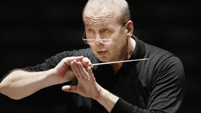 il direttore Stefan Saltz che dirigerà l'orchestra per il debutto della stagione con Bassarids