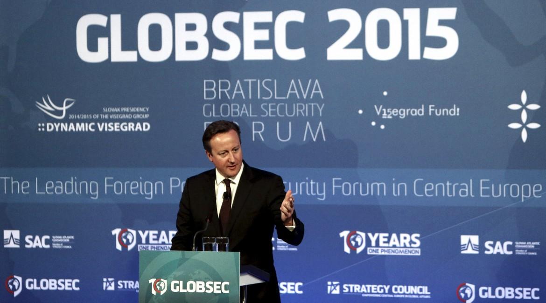 Il premier britannico Cameron, anche lui a Bratislava per una conferenza sulla sicurezza globale