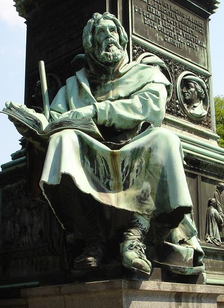 Statua di Pietro Valdo a Worms, in Germania
