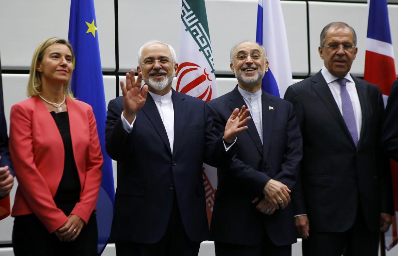 Dopo la firma dell'accordo sul nucleare, nel luglio 2015: Mogherini, Zarif e Lavrov