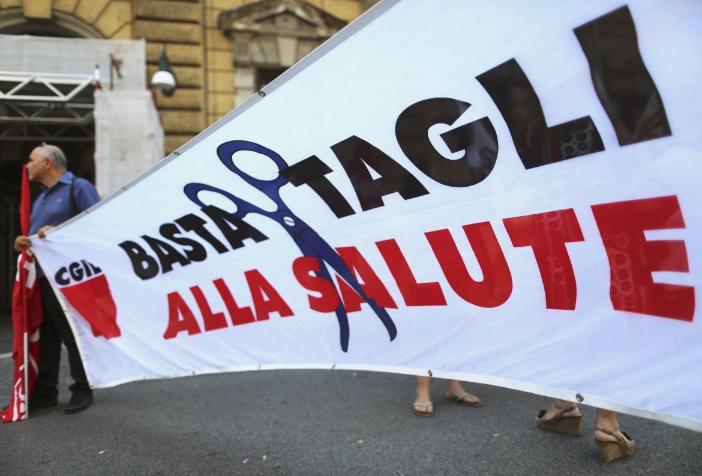 Proteste contro i tagli alla sanità