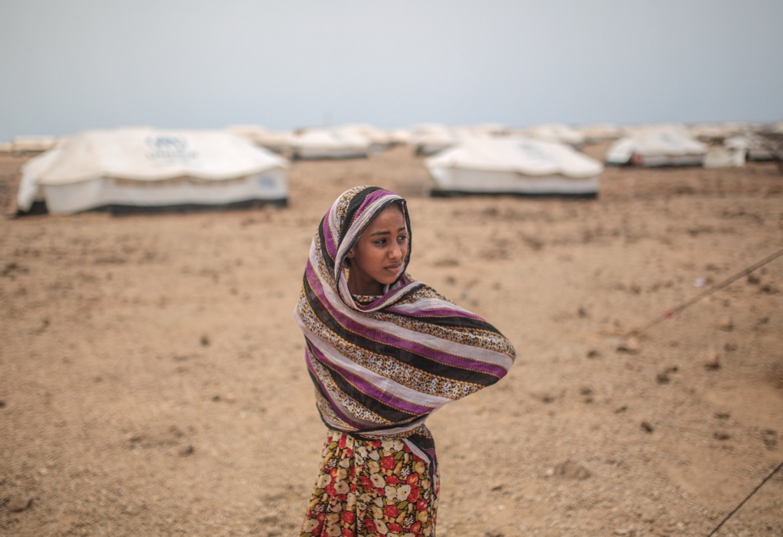 Una ragazza yemenita nel campo profughi di Markazi, Gibuti