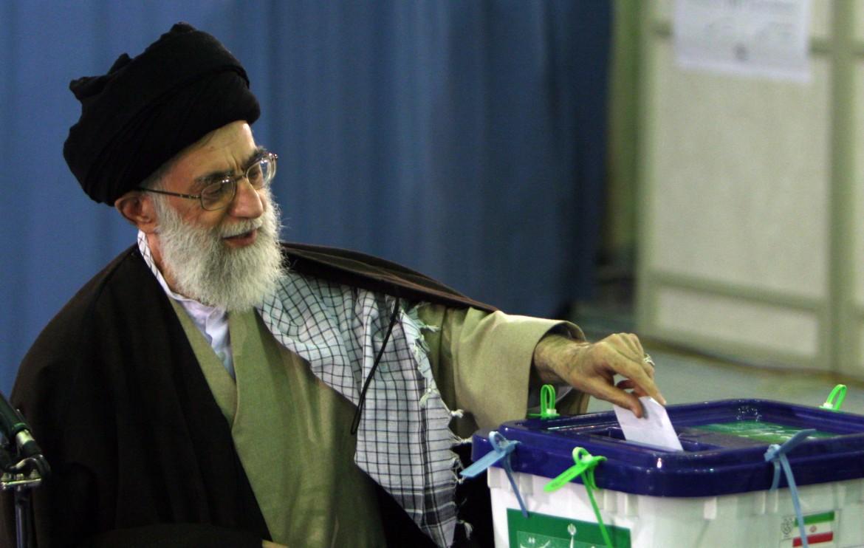 Il leader supremo Khamenei alle precedenti elezioni