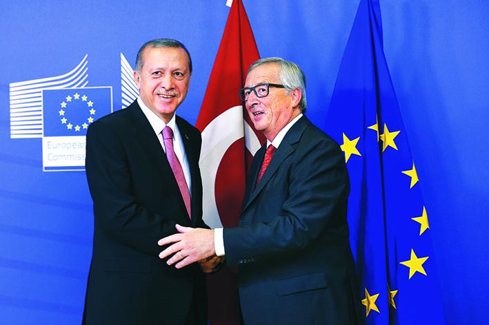 Erdogan e Juncker in un incontro a Bruxelles