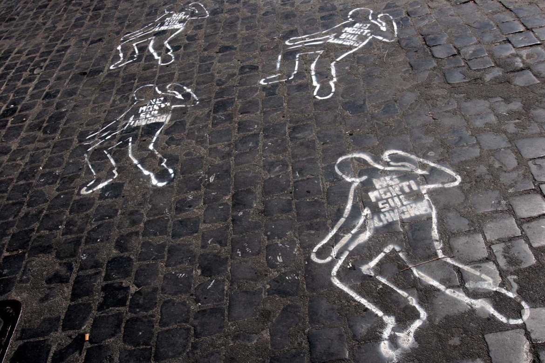 Una protesta contro i morti sul lavoro