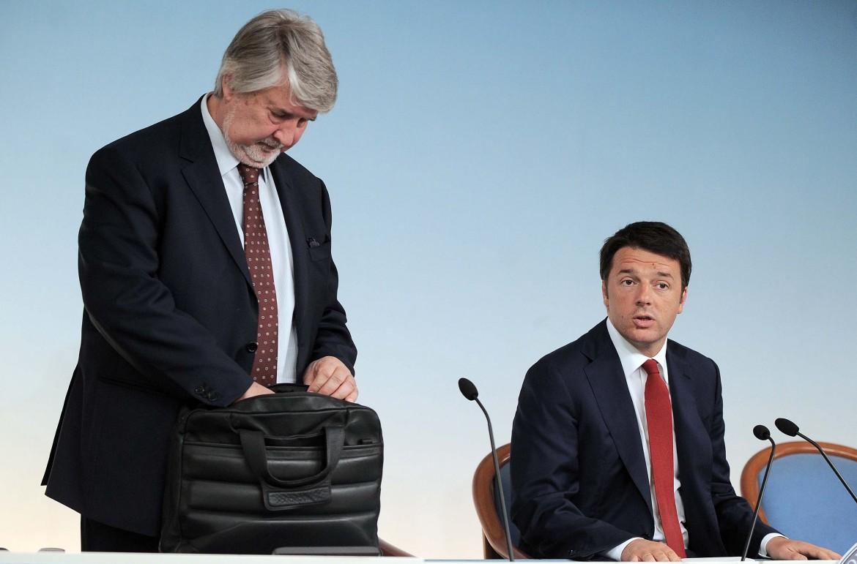 Il ministro Poletti e Matteo Renzi in una foto del governo precedente