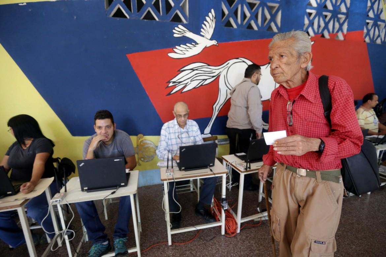 Simulazione elettorale in Venezuela