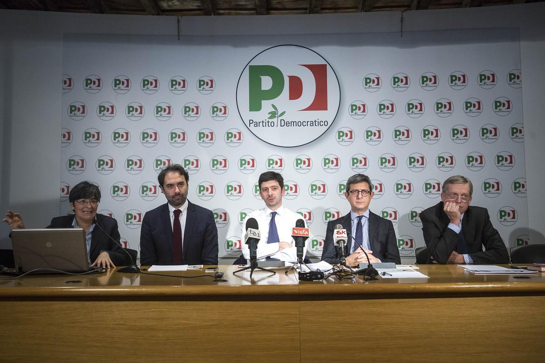 La conferenza stampa della minoranza dem sui 10 emendamenti alla legge di Stabilità