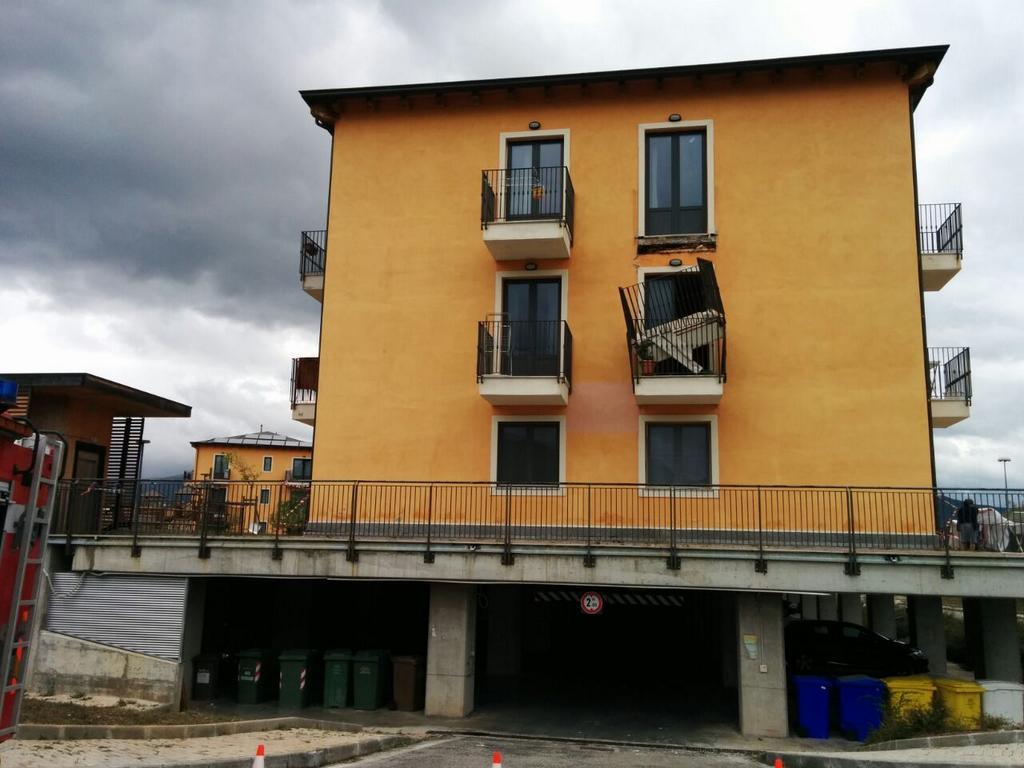 L'Aquila, balconi pericolanti nelle Case delle new town