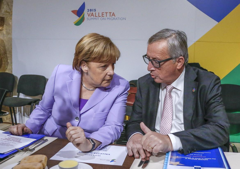 Merkel e Juncker all'ultimo vertice europeo a La Valletta
