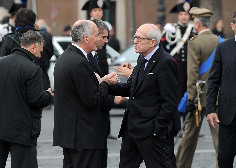 Il prefetto di Roma, Franco Gabrielli, e il commissario prefettizio, Francesco Paolo Tronca