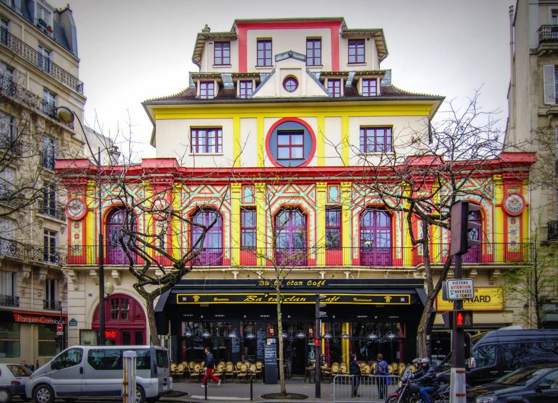 La facciata del Bataclan