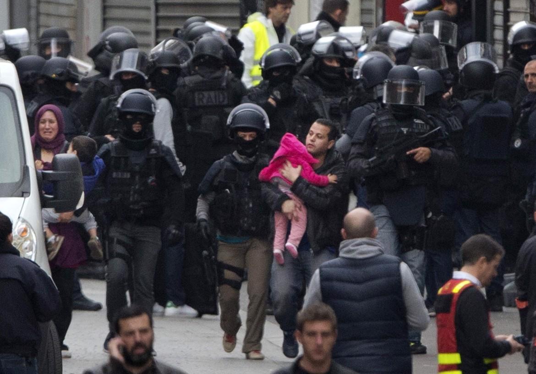 Il blitz delle forze speciali francesi a Saint Denis