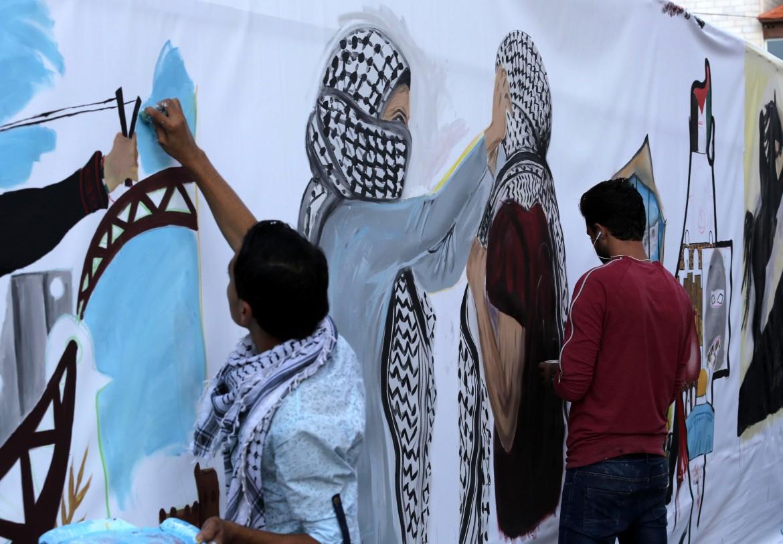 A Gaza un murales sull'Intifada del 1987