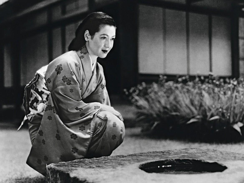 Setsuko Hara in Tarda primavera, sotto a destra in Viaggio a Tokyo e a sinistra in Shiro