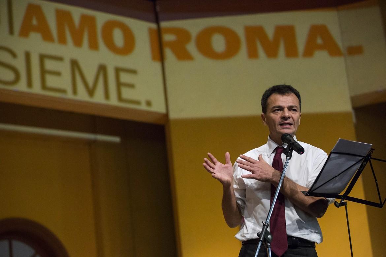 Stefano Fassina ieri a Ostia