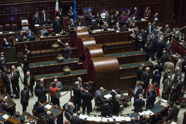 Le votazioni per i giudici della Consulta del parlamento in seduta comune