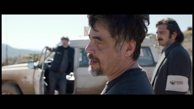 Benicio Del Toro, foto piccola il regista Fernando Leon de Aranoa