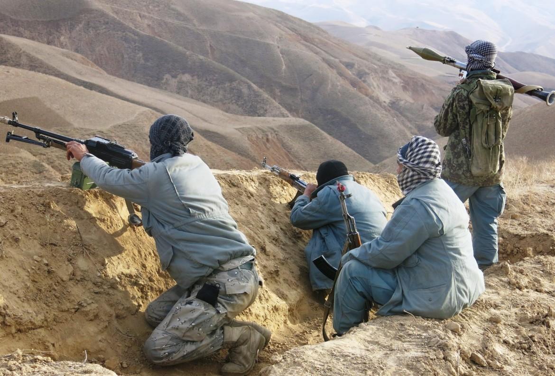 Miliziani governativi in battaglia