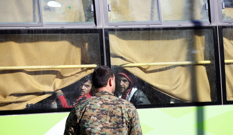 Il ritiro dei miliziani anti-Assad da Homs