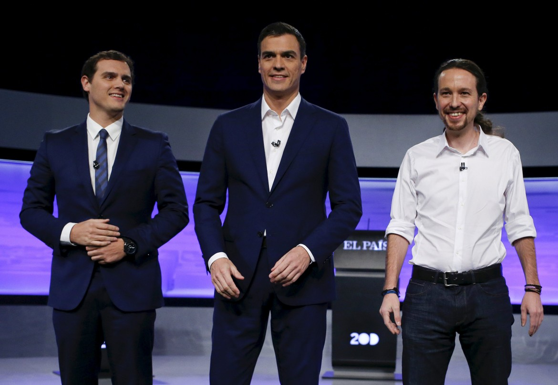 Il leader di Ciudadanos Albert Rivera, il segretario socialista Pedro Sanchez e  Pablo Iglesias leader di Podemos