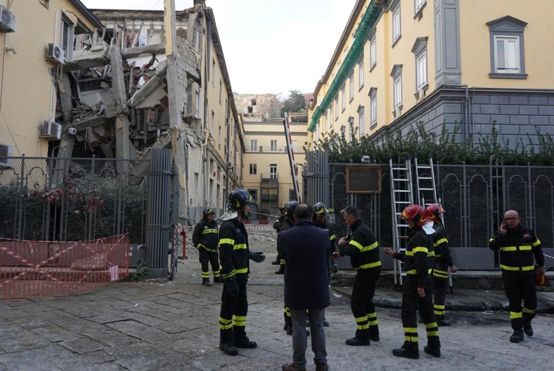 Crollo all'Università di Veterinaria a Napoli