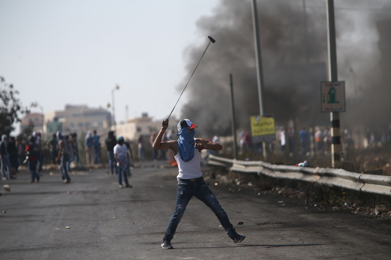 Scontri tra manifestanti palestinesi e esercito israeliano