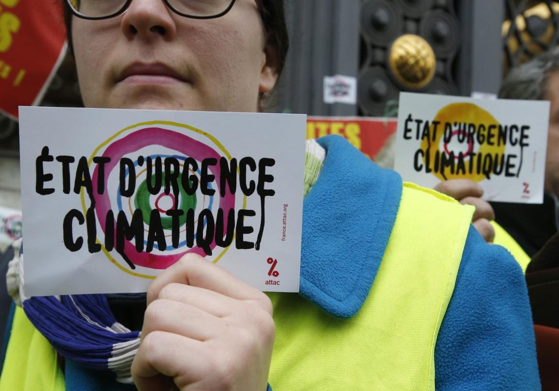 Parigi, protesta al summit COP21