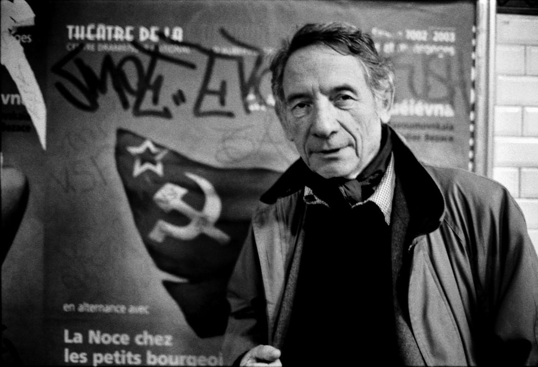 Mario Dondero nel metrò di Parigi