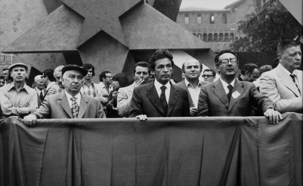 Luigi Longo, Enrico Berlinguer, Armando Cossutta e  Giorgio Amendola in una manifestazione a Milano negli anni 70