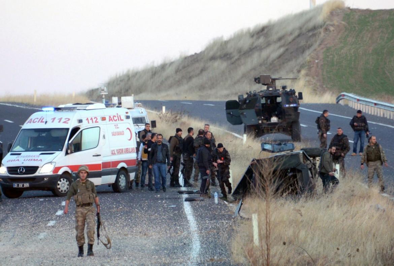 L'esplosione che ha ucciso due poliziotti in Kurdistan