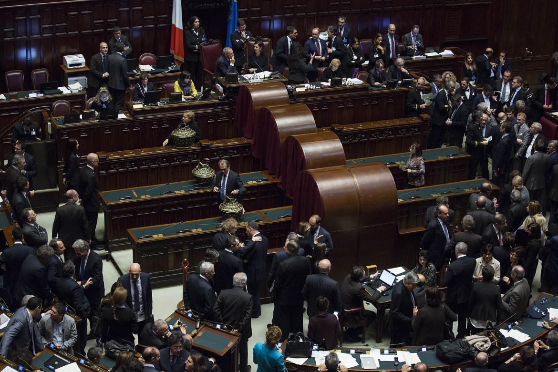 La votazione per i giudici costituzionali alla camera dei deputati